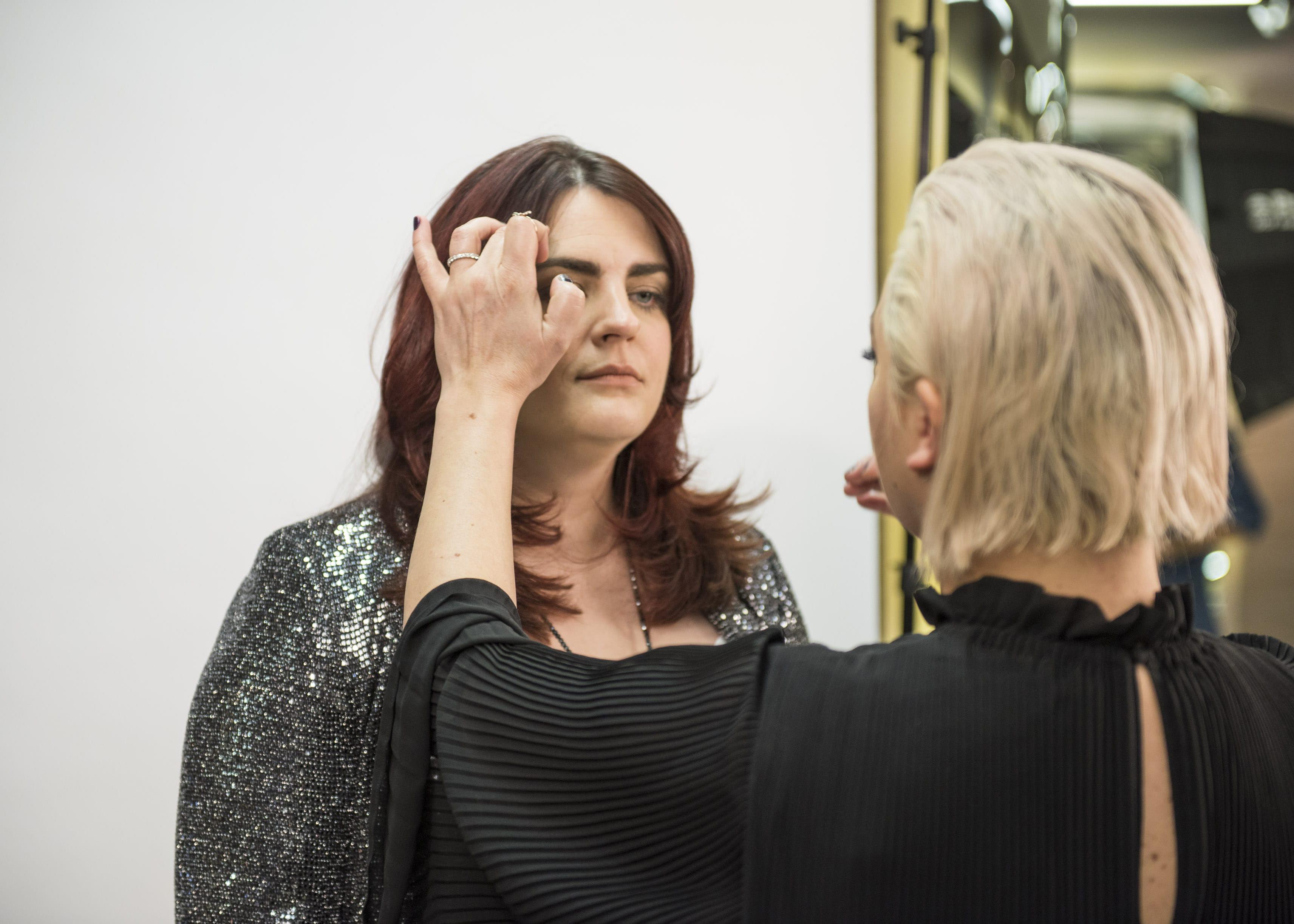 Learn: Lisa's Top 10 Makeup Tips